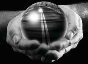 Kryształowa kula - przyszłość: bogactwo, bieda